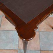 Rozkládací starožitný hrací stolek