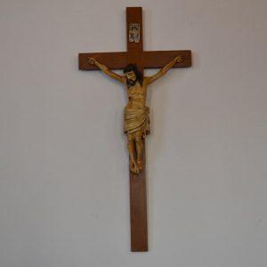Řezaný starožitný Kristus