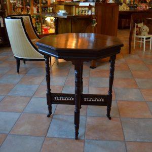 Starožitný ořechový stolek