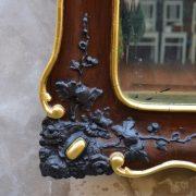 Měšťanské starožitné zrcadlo