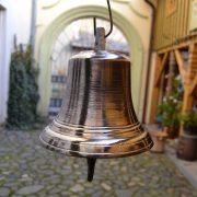 vStarožitný zvon z bronzu