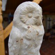 Starožitná soška sovy - pískovec