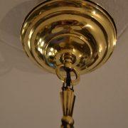 Menší tří-ramenný starožitný lustr